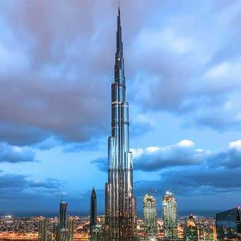 Burj-Khalifa-Ticket-+-Dubai-Aquarium-&-Underwater-Zoo.jpg